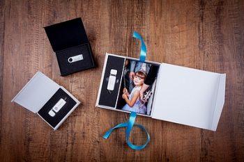 USB Boxes & USB Sticks